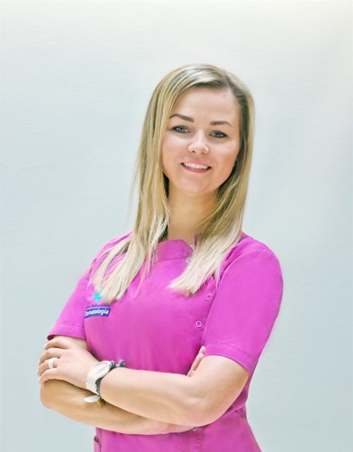 Malwina Chrapek asystentka stomatologiczna